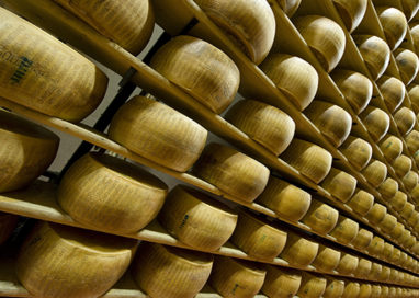 Formaggio indicato Parmigiano Dop. Multati due ristoranti a Roma