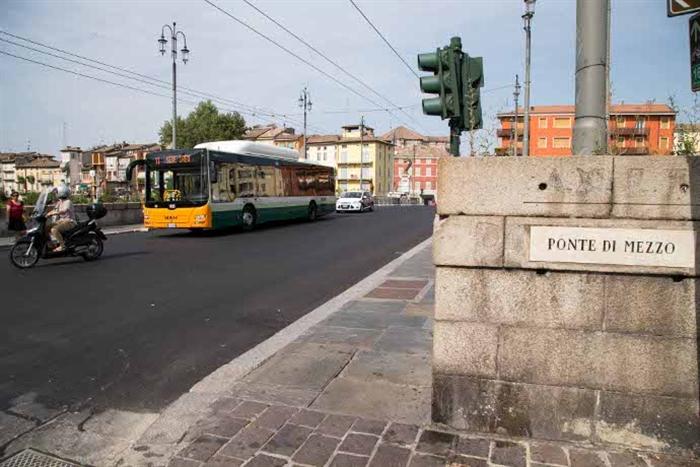 Infiltrazioni in zona Ponte di Mezzo: al via i lavori