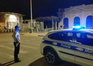 Stazione: continua il presidio della polizia municipale