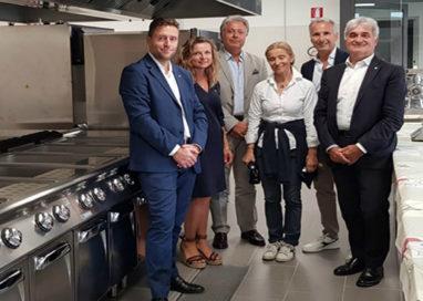 Scuola per l'Europa, consegnate le due nuove cucine