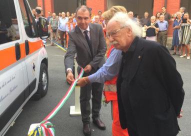 Assistenza Pubblica, la nuova ambulanza per Maurizio Gentilucci