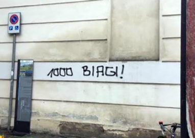 Scritte contro Marco Biagi: indagato 27enne parmigiano