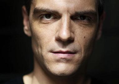 """L'Intervista di Teatro: Davide Gagliardini, protagonista di """"Lungs"""" a Teatro Due"""