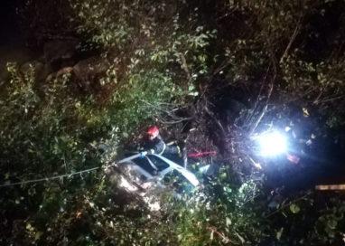 Bedonia: auto finisce nel greto del fiume, nottata di ricerche