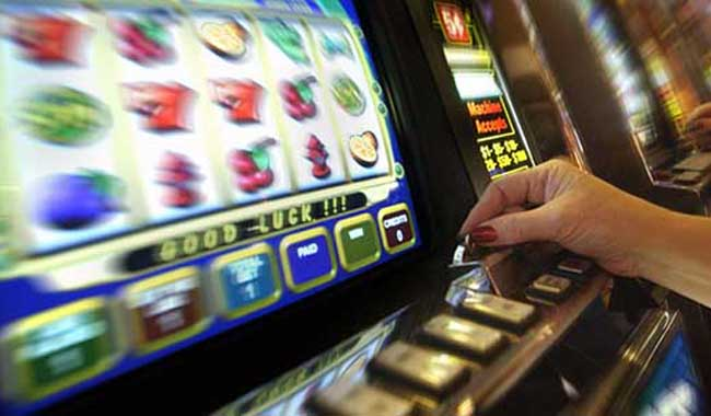 Slot machine. Divieto di aprire esercizi vicino alle scuole