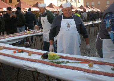 "November Porc a Zibello. Strade ""avvolte"" da metri di Culatello"
