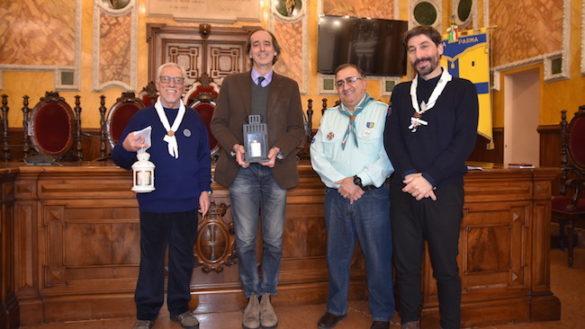 """Accesa in Municipio la """"Luce della Pace da Betlemme"""""""