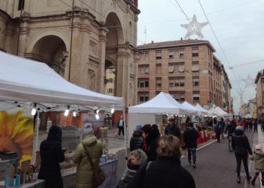 """""""Natale sotto l'Albero"""": grande successo in via D'Azeglio!"""