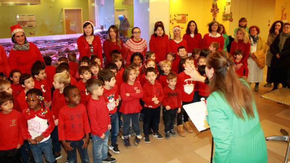 Canti sotto l'albero, la musica all'Ospedale dei bambini