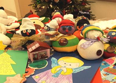 """Riccò: i doni """"fai da te"""" dei bambini delle elementari per i piccoli ricoverati in Pediatria"""