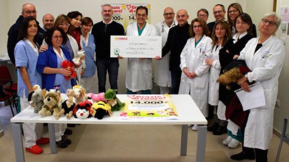 Grazie ai SuperCoccolosi Conad donati 14mila euro all'Ospedale dei Bambini