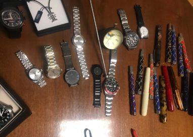Gioielleria Valenti: rubati 10mila euro di orologi
