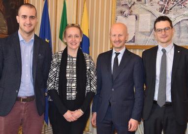 Jo Tarnawsky, vice Ambasciatrice Australiana in Italia, in municipio a Parma