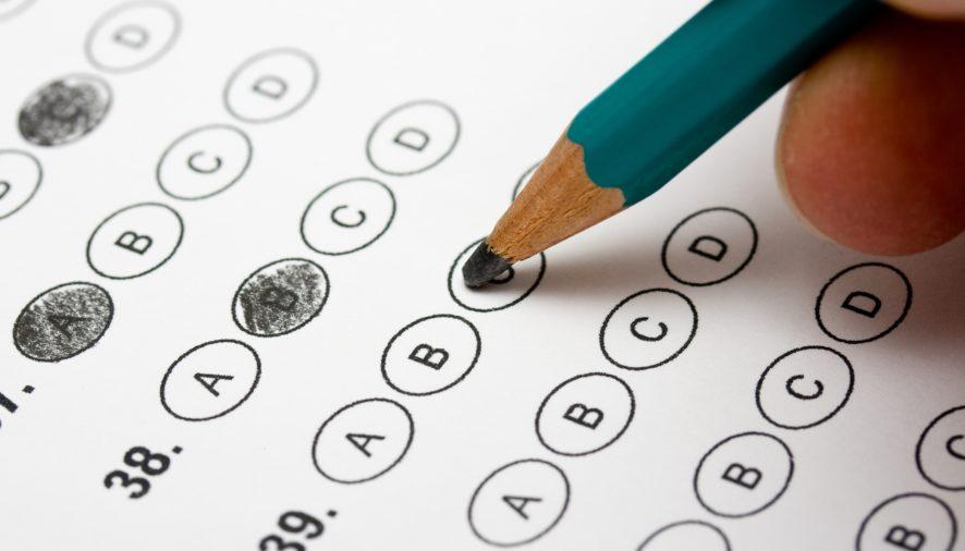 All'esame di italiano con documenti falsi