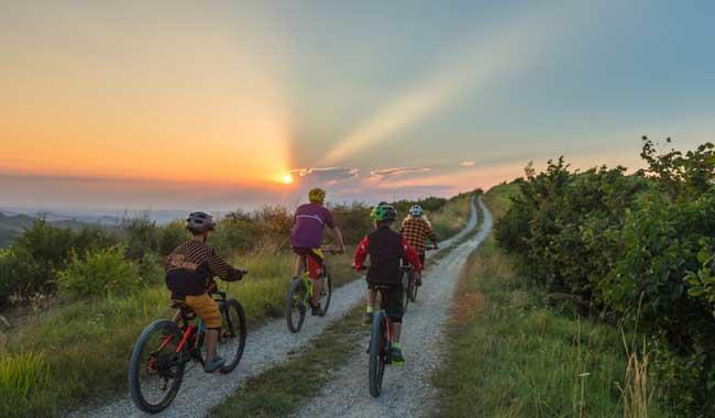 Cicloturismo, Fiab Parma alle Fiere con uno stand tutto dedicato alle biciclette