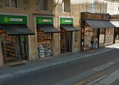 Libraccio in Piazza Ghiaia