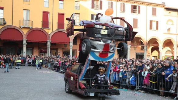 """Il """"Transformer"""" secondo classificato al Carnevale di Imola"""