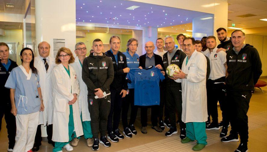 La Nazionale di calcio all'Ospedale dei bambini