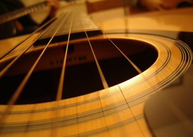 Felino: ritrovate le chitarre da collezione rubate