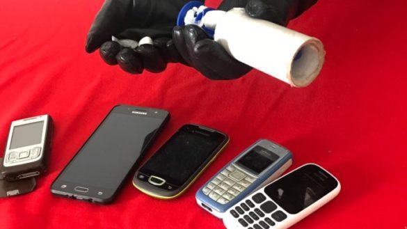 Cocaina nella spazzola togli pelucchi: denunciato nigeriano
