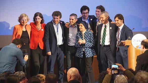 """Pizzarotti candidato alle europee. """"Se vinco rinuncio"""". Le reazioni"""