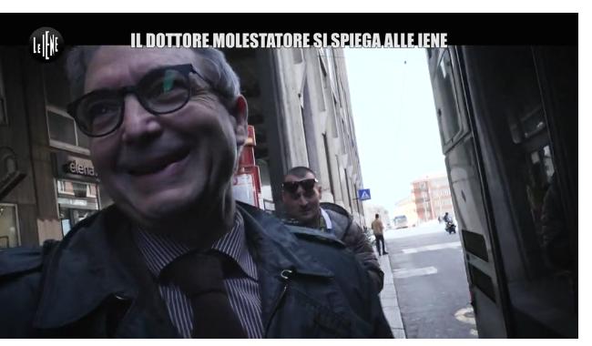"""""""Visite come film porno"""": Le Iene tornano da De Lorenzis"""