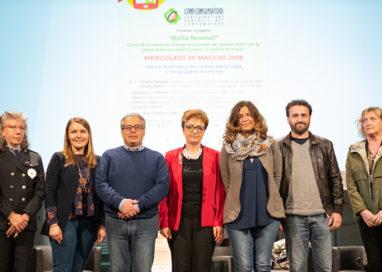 """""""Bella Nonno!"""". Gli studenti del Maria Luigia """"tutor"""" digitali degli over 65"""