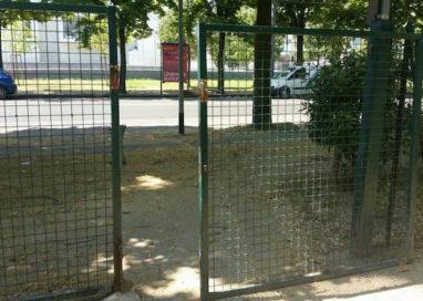 """L'area cani di via Sidoli è una vergogna"""