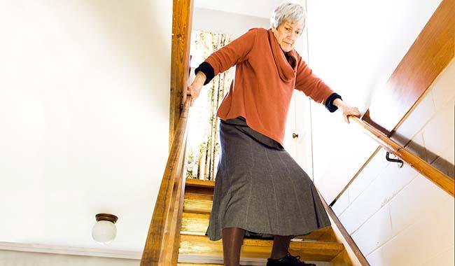 Prevenire le cadute in casa: i consigli per vivere in un ambiente sicuro
