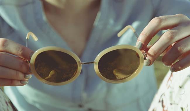 Occhiale da sole, un must dell'estate. Ma come sceglierlo?
