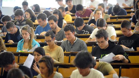 """Studenti fuori sede: assistenza gratuita al """"punto bianco"""""""