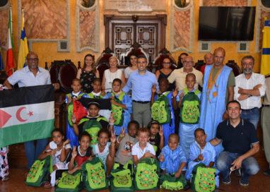 Bambini del Saharawi a Parma, accolti in municipio dal sindaco
