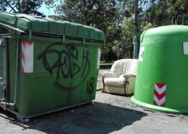 "Polemica goliardica sui rifiuti: ""Al Cinghio ci piace star comodi…"""