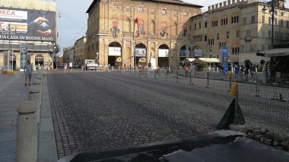 Piazza Garibaldi, i lavori di pavimentazione proseguono spediti!