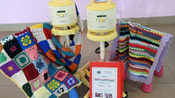 Due tiralatte donati alla Pediatria, grazie alla vendita delle coperte colorate