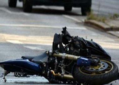 Schianto in moto, muore padre di due figli