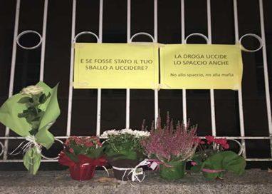 Rubati i fiori lasciati in ricordo di Oscar Ragazzoni