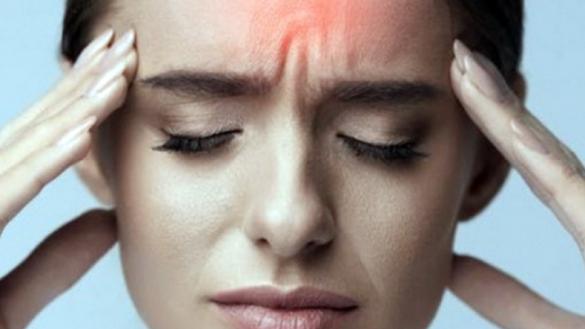 Cefalea, partire dalle cause. Cosa fare quando il dolore batte in testa