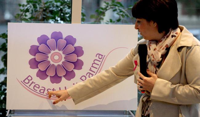 La violetta di Parma ispira il logo della Breast Unit del Maggiore